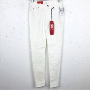 Celebrity Pink Ankle Skinny White Jeans Size 0